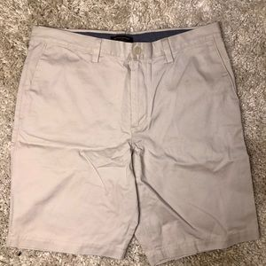 NWT Banana Republic Slim Fit Aiden Short Cotton